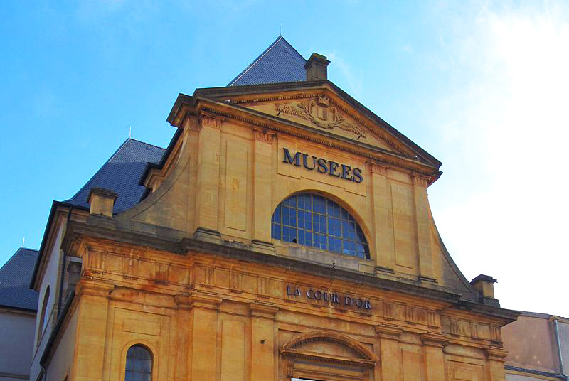 cour-or-metz-musee-location-peniche-airbnb